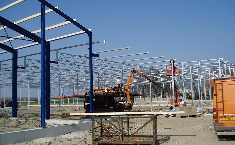 Aufstellen von Konstruktionen für Venlo-Gewächshäuser